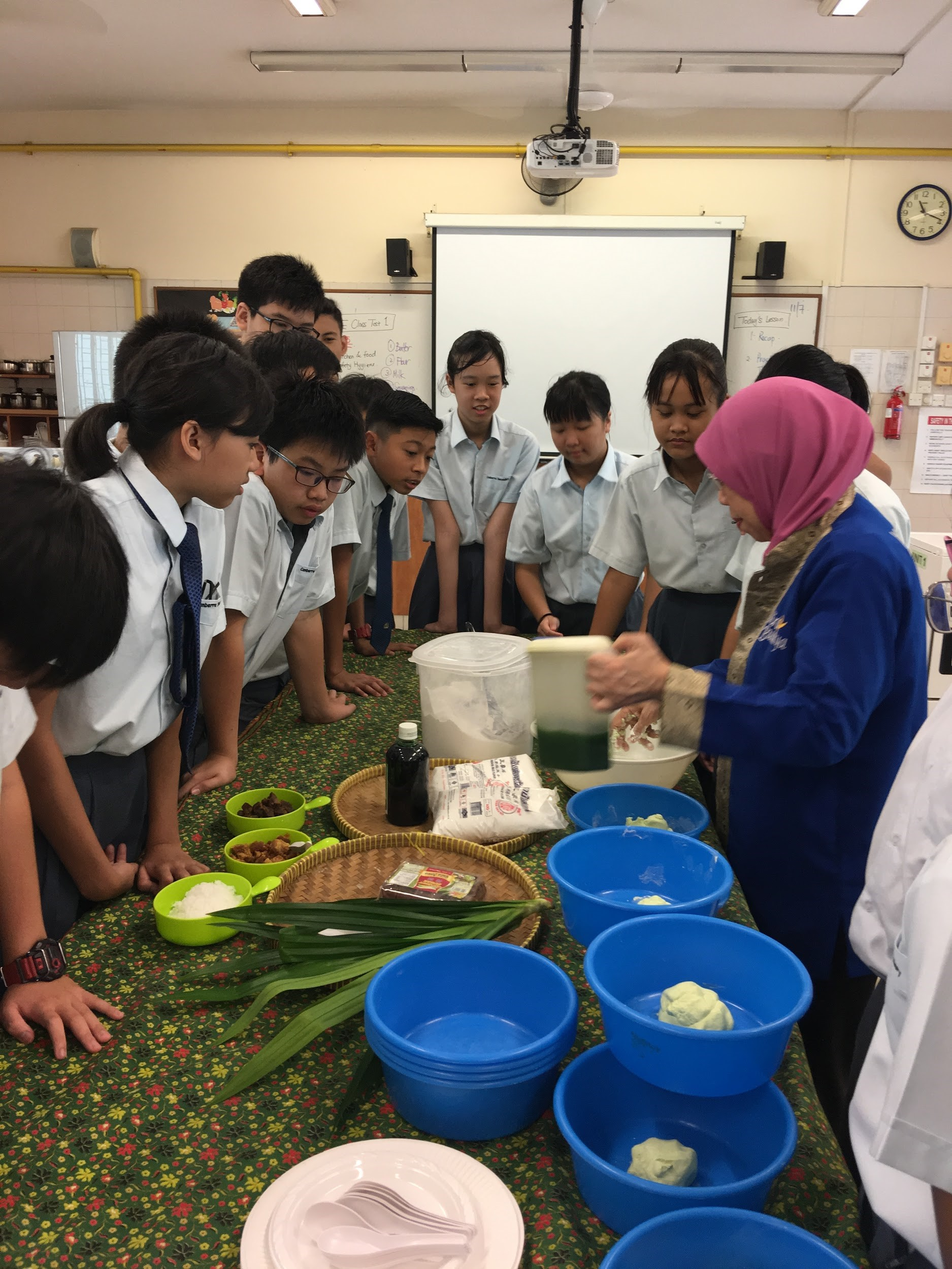 Learning to make Malay delicacies